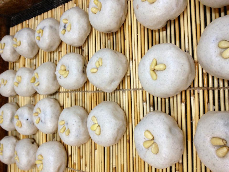 手作りの和菓子は素朴ながらも深い味わい。