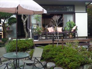 箱根の風を感じるテラス 12席ご用意しています。