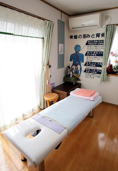 自宅の一室を施術室としています。